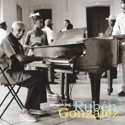 González, Rubén -...